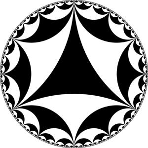 Semua bentuk hitam dan putih dalam gambar ini adalah segitiga hiperbolik, yang sudut-sudutnya berjumlah kurang dari 180 derajat.