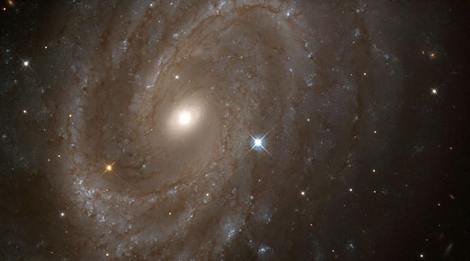 Fisikawan kondang Michio Kaku mengaku melihat bukti eksistensi Tuhan di Alam Semesta. (Foto: NASA/Getty Images)